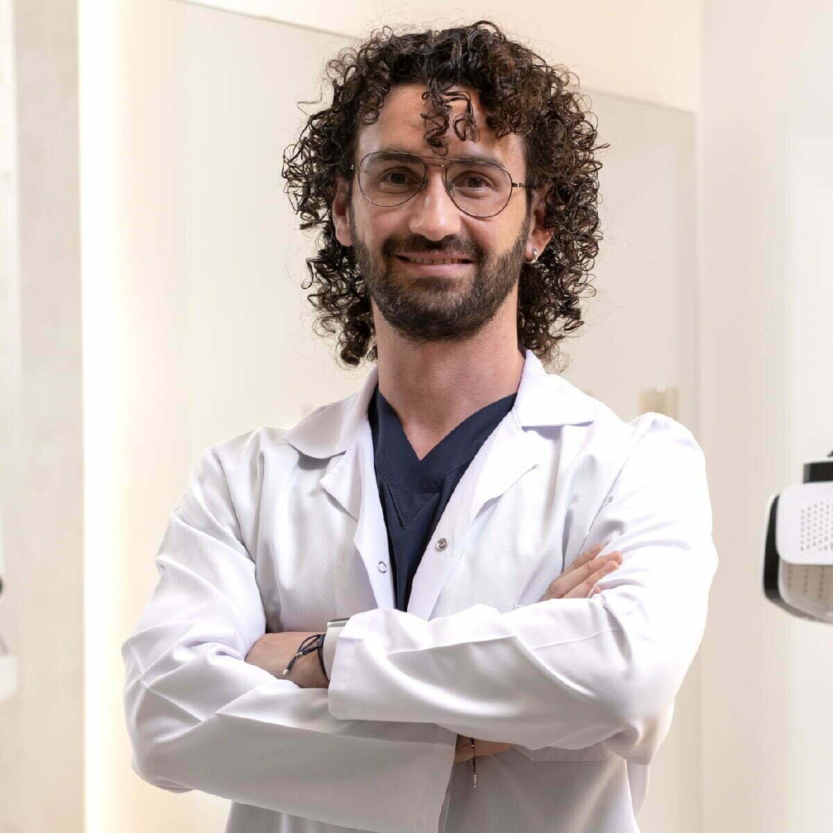 Emre Kaynak / Dermatologist